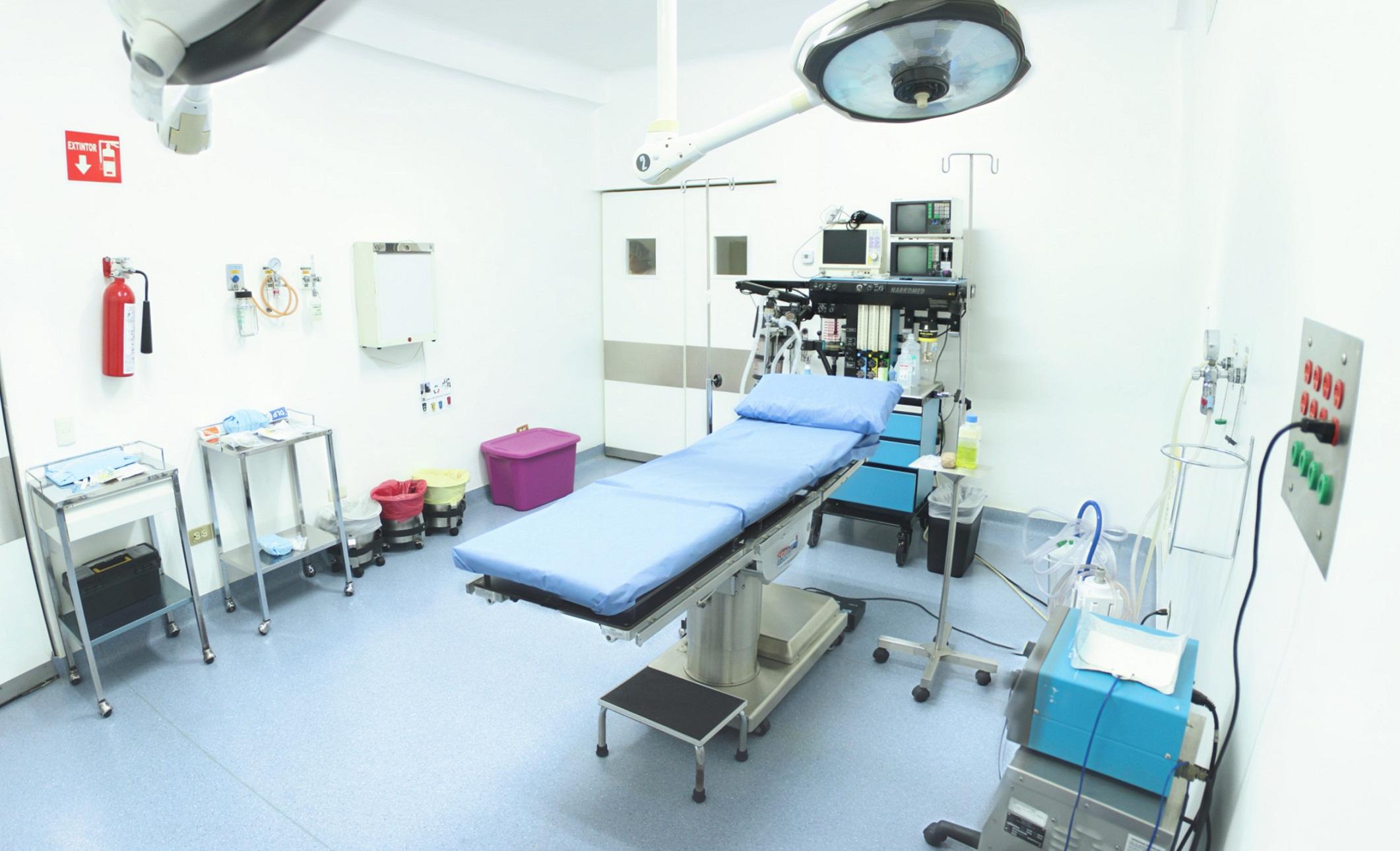 """""""En el Hospital San Bernabé: Trabajamos para Usted, Ayudándole a recuperar su salud y cuidando su economía"""""""